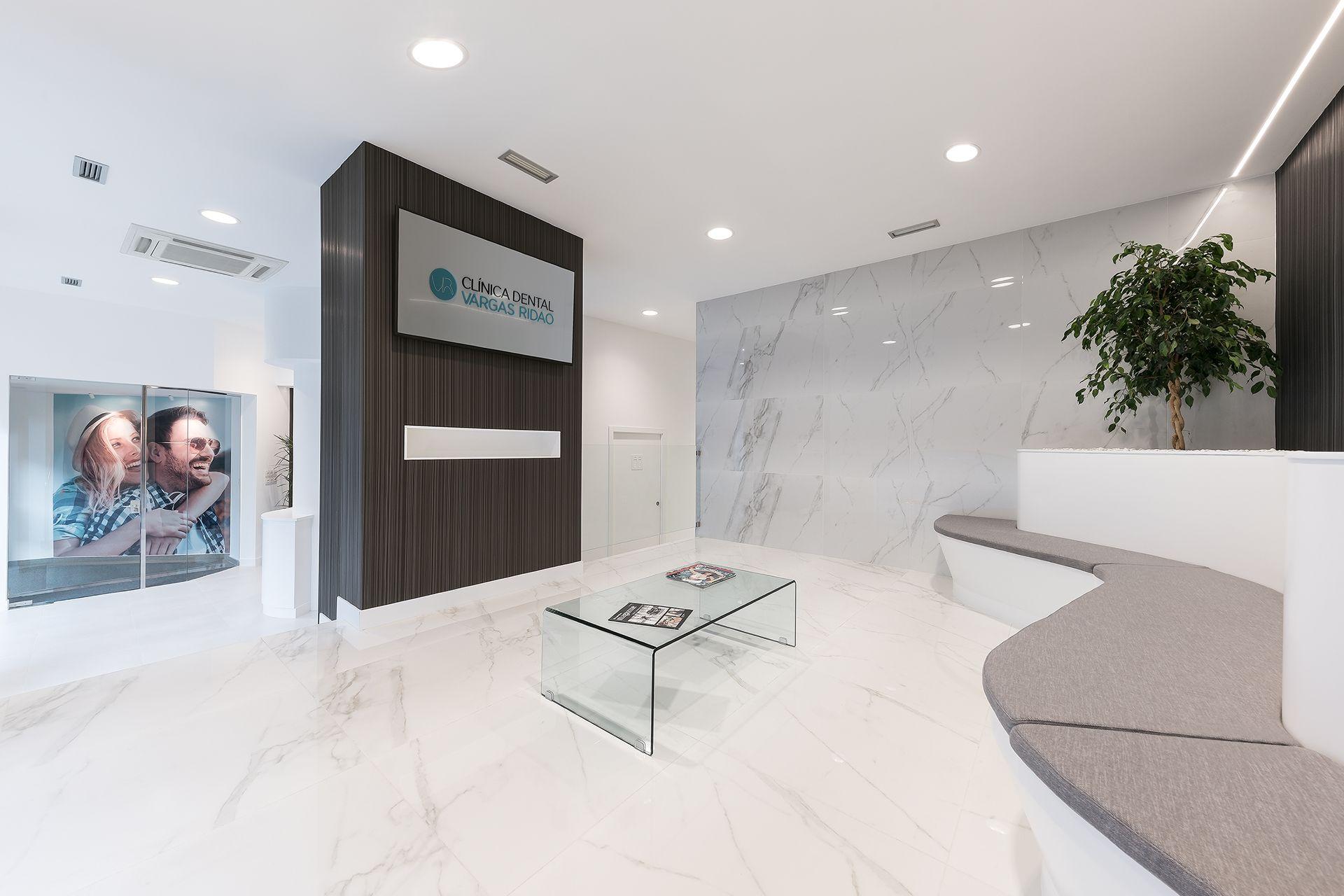 Sala de espera de la clínica dental Vargas Ridao